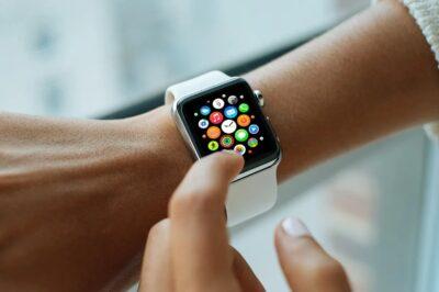 Wrist Apple Watch PSD Mockup