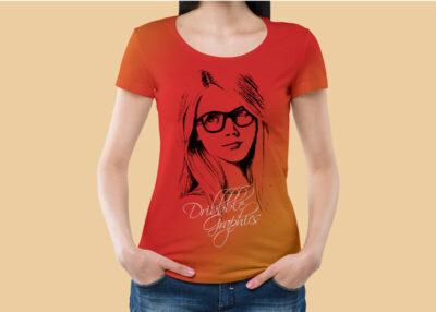 Free Round Neck Women T-Shirt Mockup